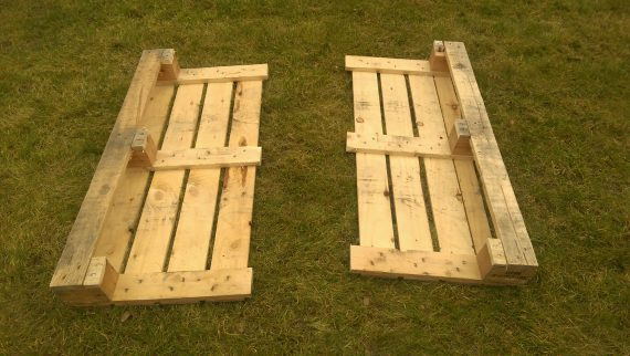 Pallet coffee table in the making